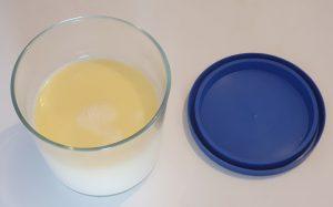 Nata líquida sin enfriar. Not colded liquid cream.